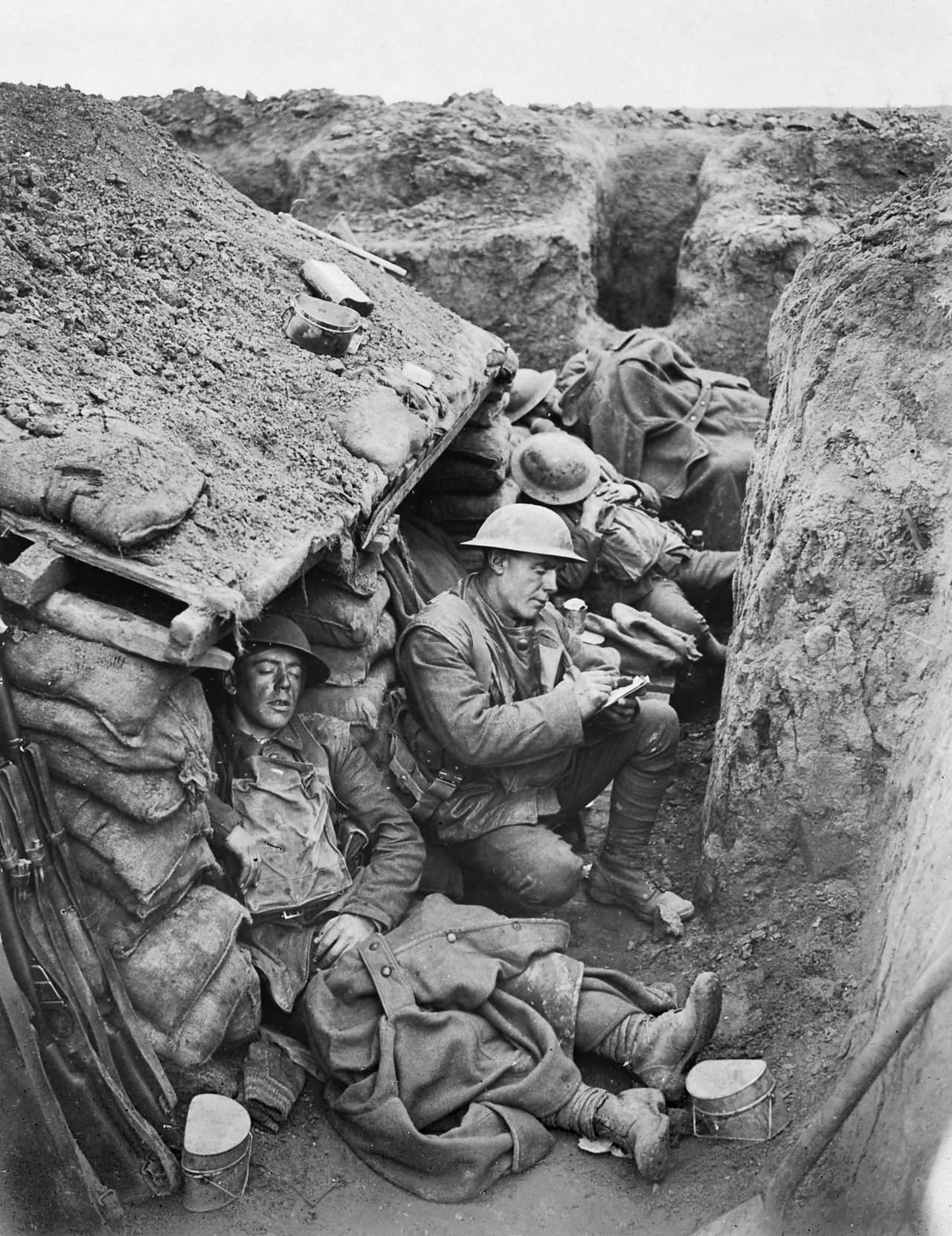 Facts About Wwi What Was Life Like In A World War One Trench Bbc Bitesize