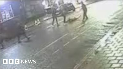 Ben Stokes trial: CCTV footage of fight - BBC News