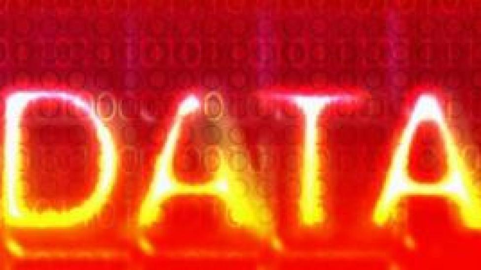 डेटा चोरी, फ़ेसबुक, गूगल, ट्विटर, data theft, facebook, google, twitter, Srikrishna Committee on Data Protection, श्रीकृष्ण समिति की रिपोर्ट, Data Protection