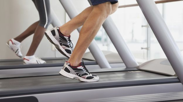 Is it better to run outside or on a treadmill? - BBC News