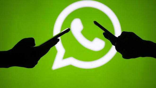 WhatsApp How to avoid being \u0027that person\u0027 in a group chat - BBC News