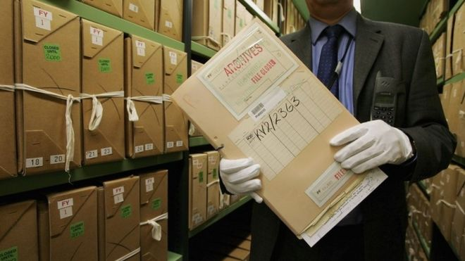 More than 400 government files missing from National Archives - BBC News