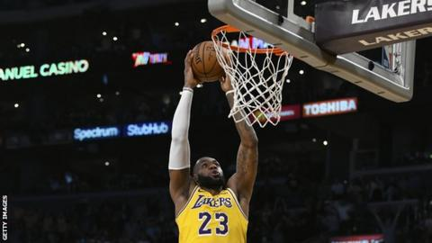 LeBron James hits a triple-double in first home Los Angeles Lakers