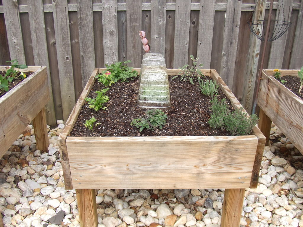 Diy Raised Garden Bed On Legs 30 43 Creative Diy Raised Garden Bed Ideas And Projects
