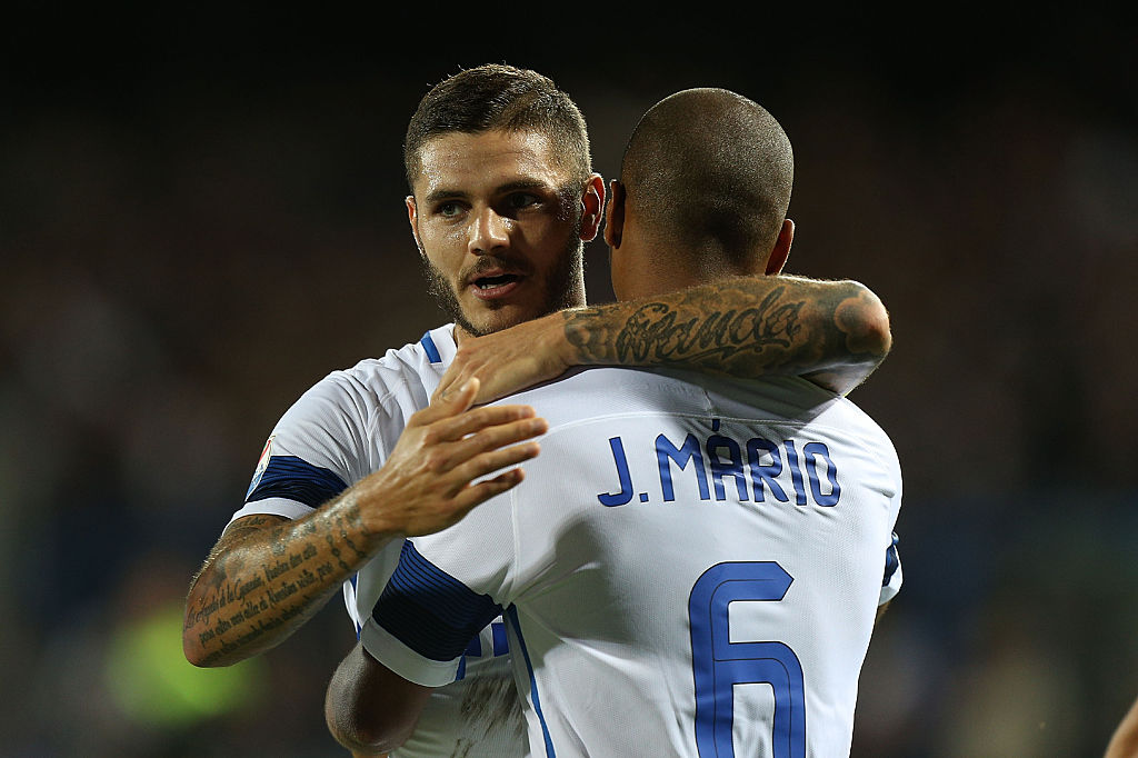 EMPOLI, ITALY - SEPTEMBER 21: Mauro Icardi and Joao Mario of FC Internazionale during the Serie A match between Empoli FC and FC Internazionale at Stadio Carlo Castellani on September 21, 2016 in Empoli, Italy.  (Photo by Gabriele Maltinti/Getty Images)