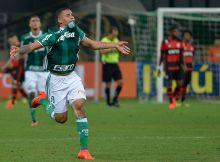 SAO PAULO, BRAZIL - SEPTEMBER 14:  Gabriel Jesus of Palmeiras celebrates after scoring during a match between Palmeiras and Flamengo as part of round 25 of Campeonato Brasileiro 2016 at Allianz Parque Stadium on September 14, 2016 in Sao Paulo, Brazil. (Photo by Levi Bianco/Brazil Photo Press/LatinContent/Getty Images)
