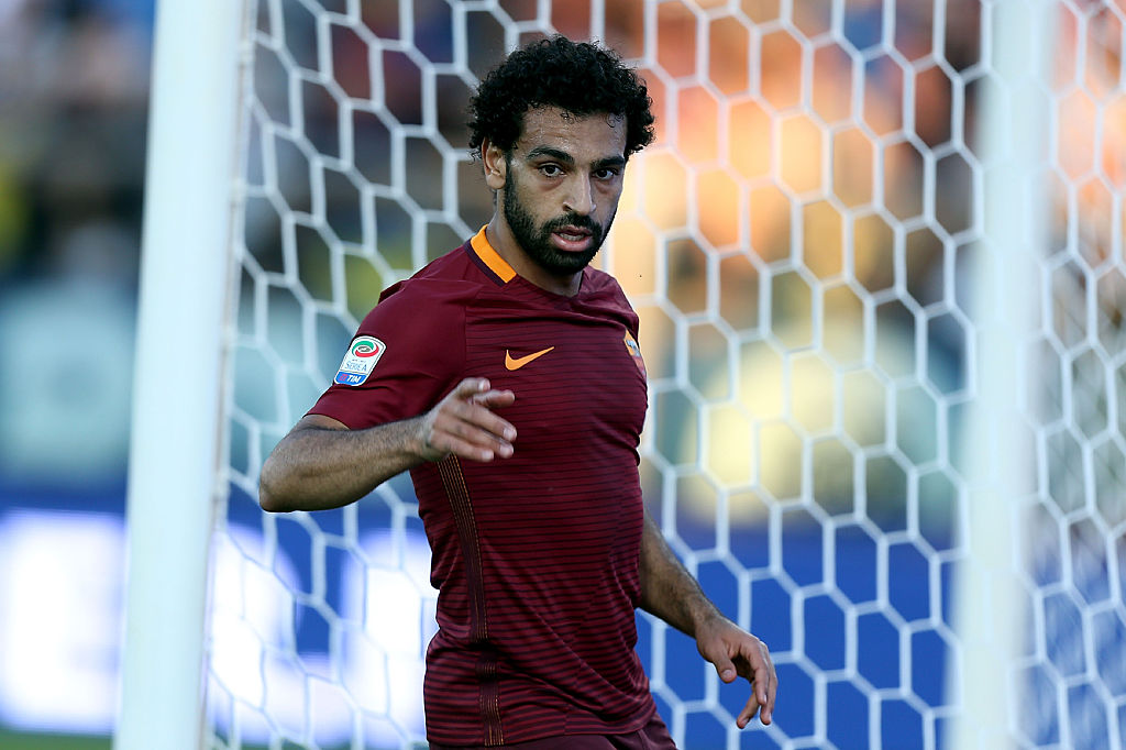 EMPOLI, ITALY - OCTOBER 30: Mohamed Salah of AS Roma looks on during the Serie A match between Empoli FC and AS Roma at Stadio Carlo Castellani on October 30, 2016 in Empoli, Italy. (Photo by Gabriele Maltinti/Getty Images)