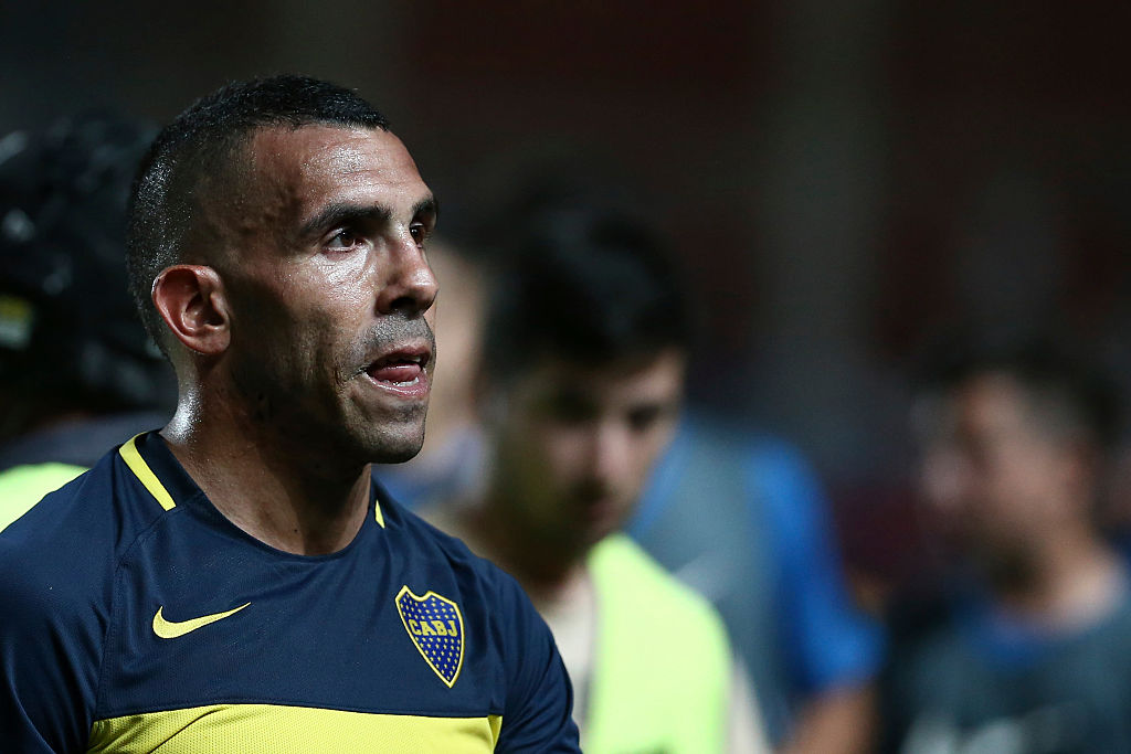 BUENOS AIRES, ARGENTINA - NOVEMBER 27:  Carlos Tevez of Boca Juniors looks on during a match between Boca Juniors and San Lorenzo as part of  Torneo Primera Division 2016/17 at Pedro Bidegain Stadium on November 27, 2016 in Buenos Aires, Argentina. (Photo by Shu Kitayama/LatinContent/Getty Images)