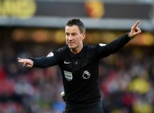 WATFORD, ENGLAND - DECEMBER 26:  Referee Mark Clattenburg during the Barclays Premier League match between Watford and Crystal Palace at Vicarage Road on December 26, 2016 in Watford, England.  (Photo by Tony Marshall/Getty Images)