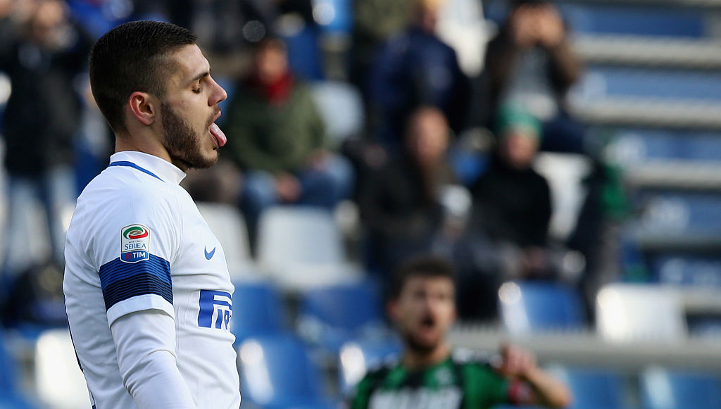 REGGIO NELL'EMILIA, ITALY - DECEMBER 18:  Mauro Icardi of Inter during the Serie A match between US Sassuolo and FC Internazionale at Mapei Stadium - Citta' del Tricolore on December 18, 2016 in Reggio nell'Emilia, Italy.  (Photo by Maurizio Lagana/Getty Images)