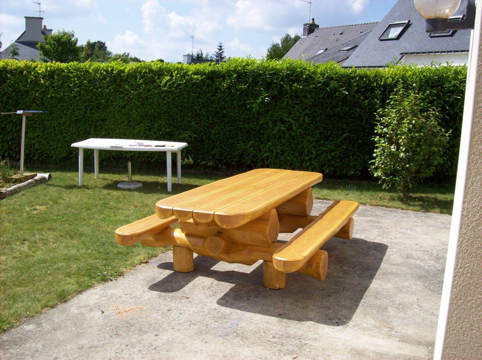 Rondins Bois Jardin | Table De Jardin En Bois Massif Idée ...