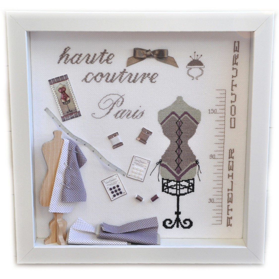 Idee Vitrine Noel Vitrine Haute Couture : Kit Complet De Broderie Au Point