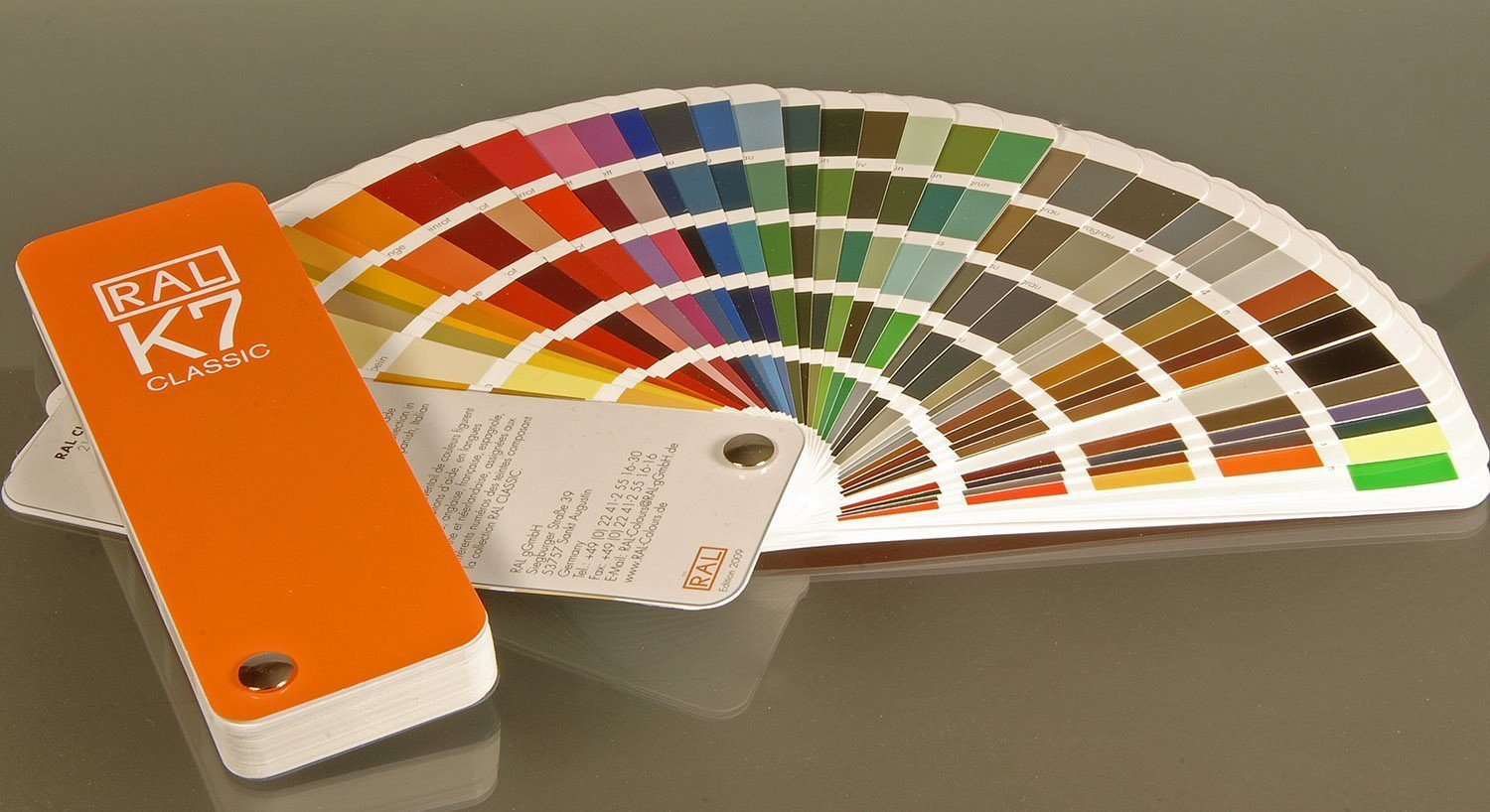 Ral Classic Colours Ral K7 Colour Fan Deck With 213 Ideedaprodurre