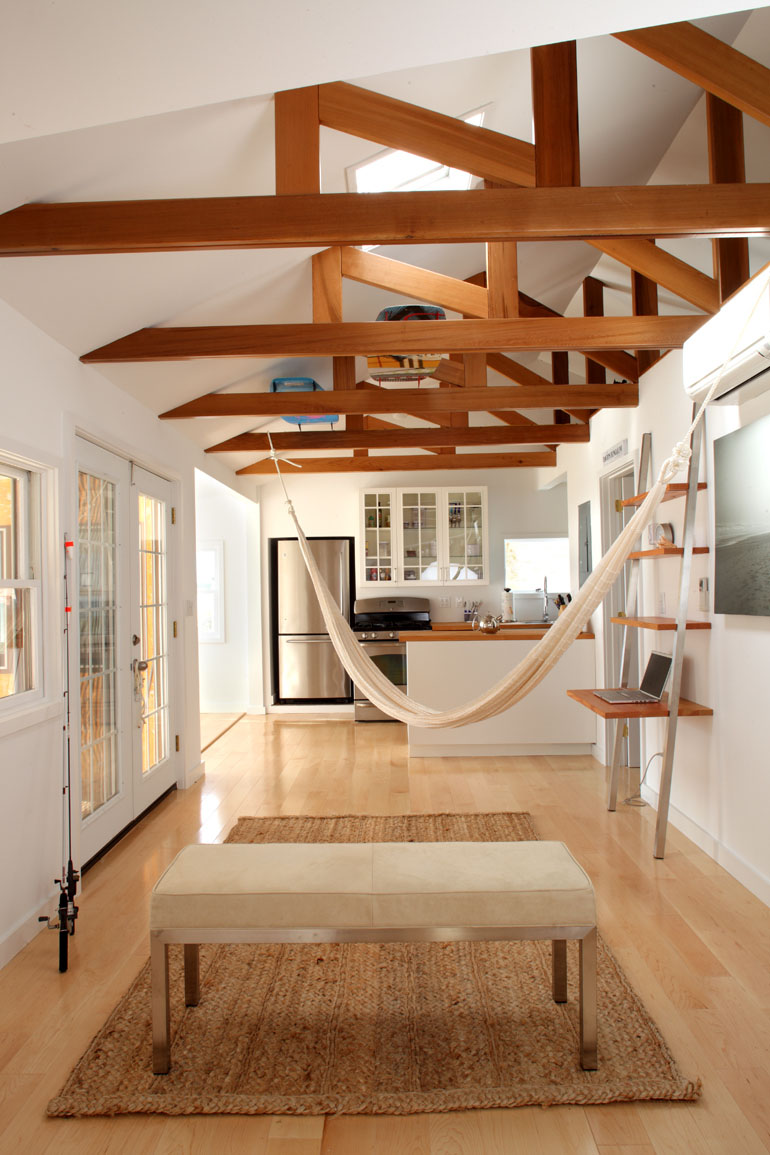 Schlafzimmer Einrichten Dachbalken Cozy Beach Bungalow On Long Island | Idesignarch