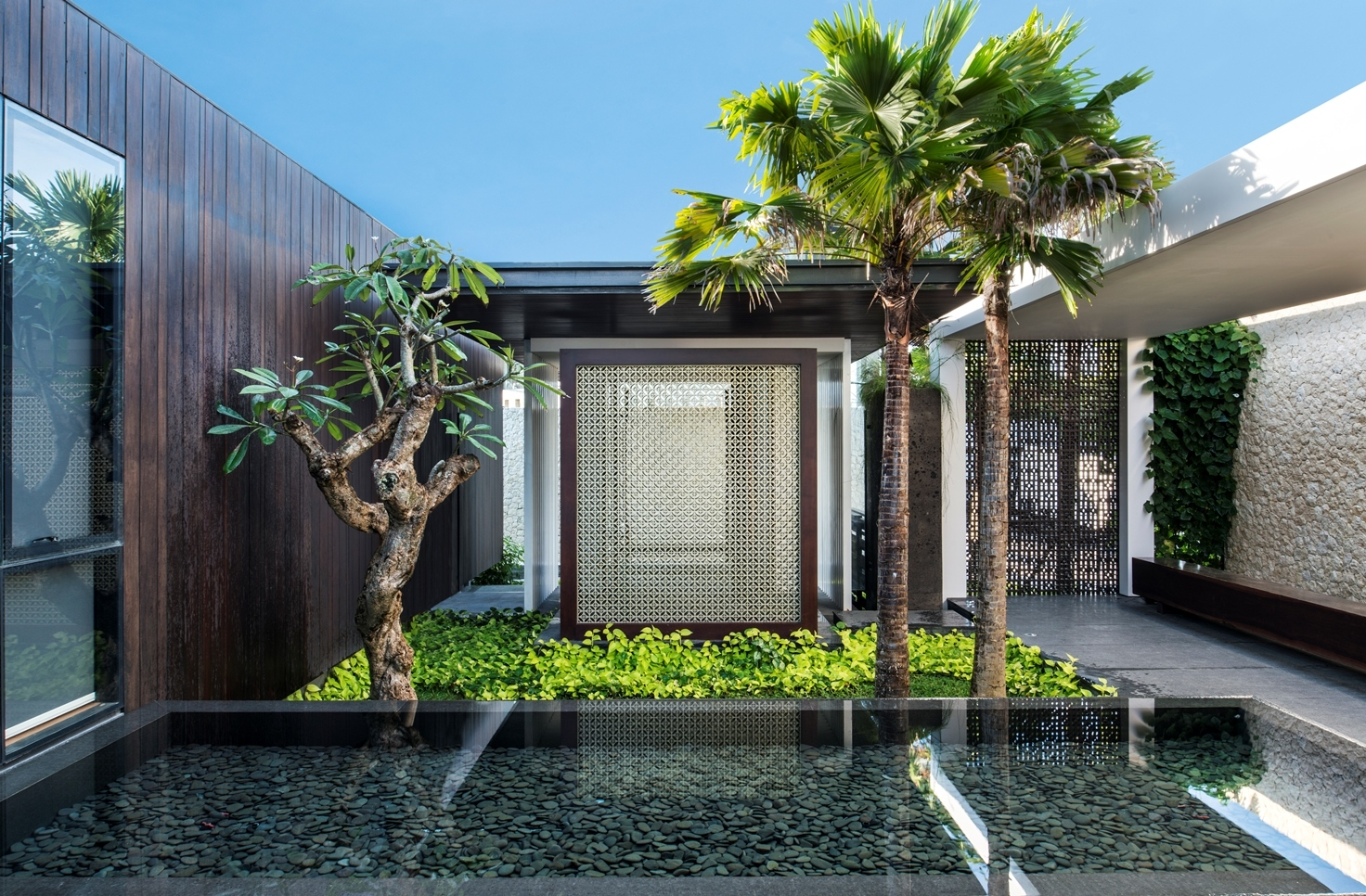 Desain Resort Modern Resort Villa With Balinese Theme Idesignarch