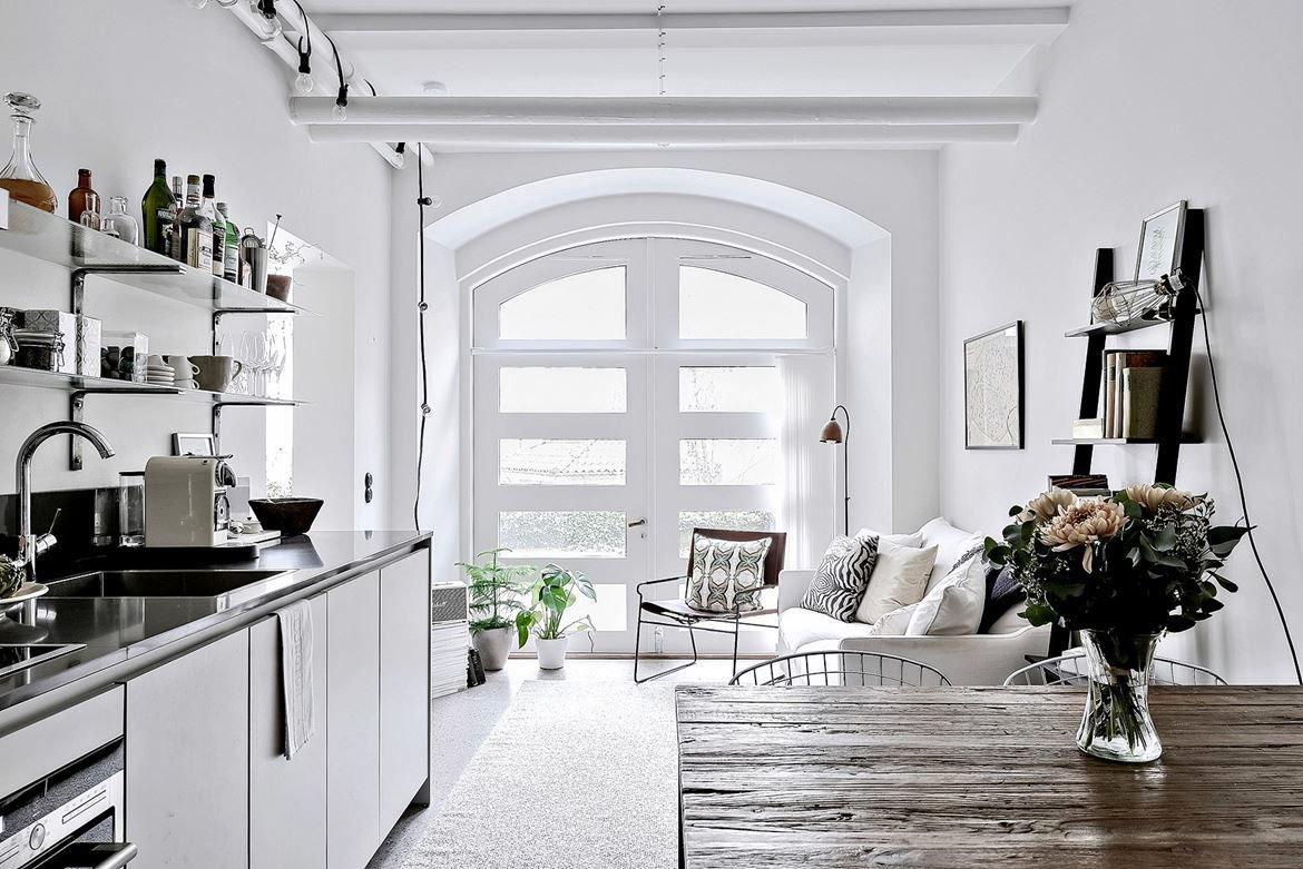 Studio Apartment Partition Chic Studio Apartment Divides Space With Glass Partition