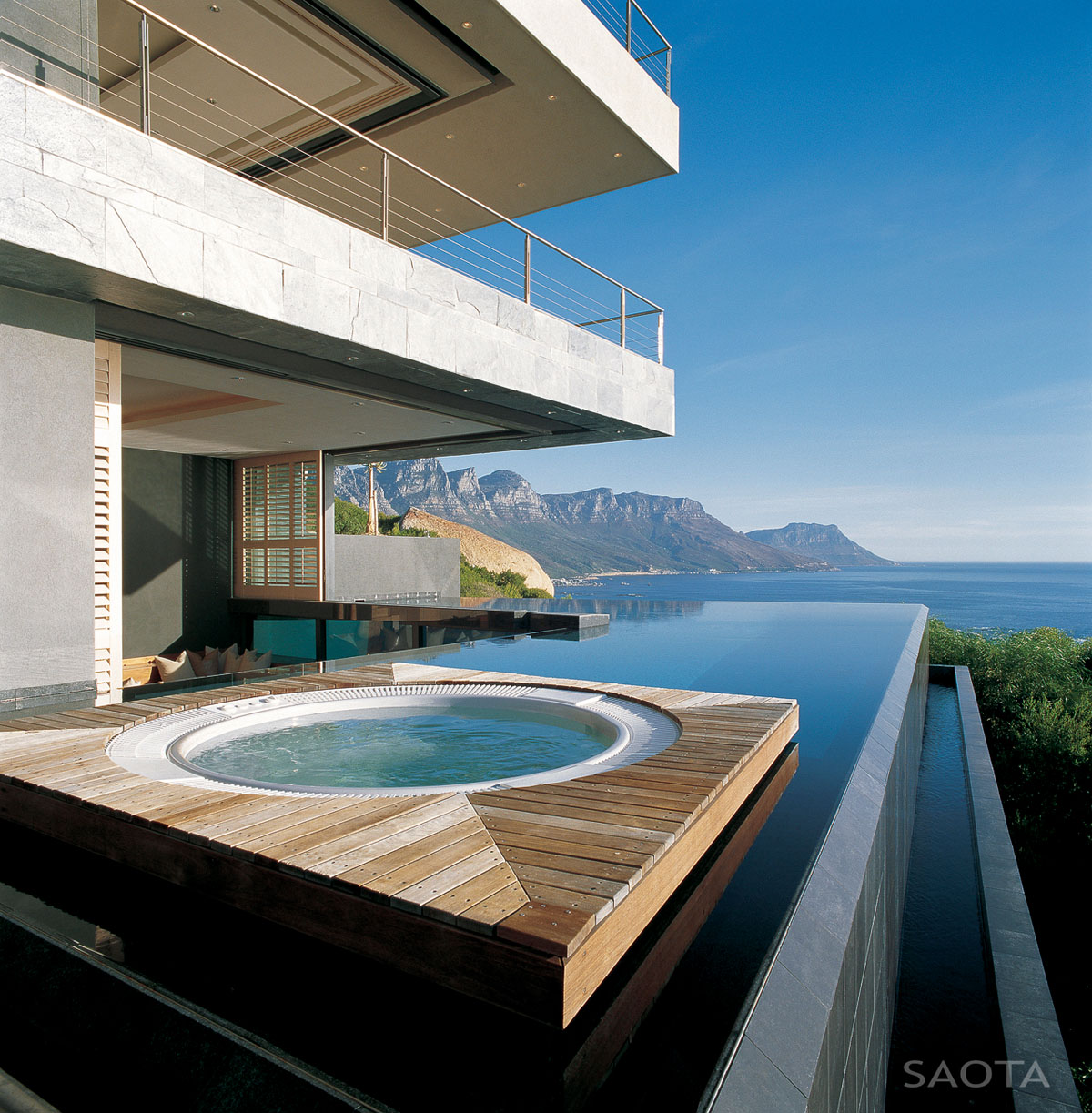 Wpc Terrasse Test Amazing Oceanfront House With Transparent Swimming Pool