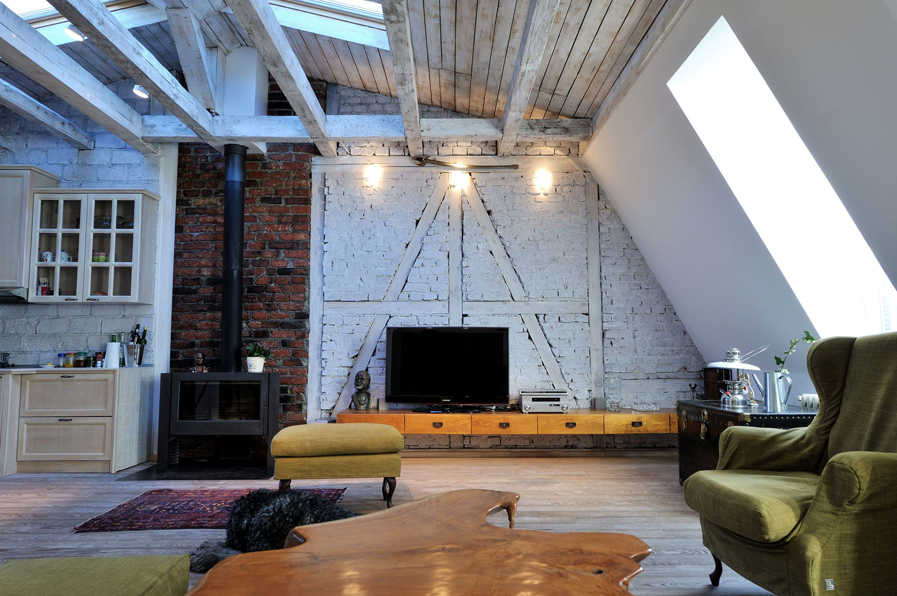 U Vormige Woonkamer Stylish Renovated Attic Penthouse In Belgrade With Rustic