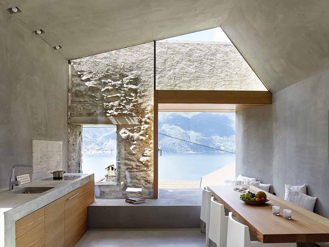 Busco Decorador De Interiores Modern Makeover Of An Old Stone House With Views Of Lake