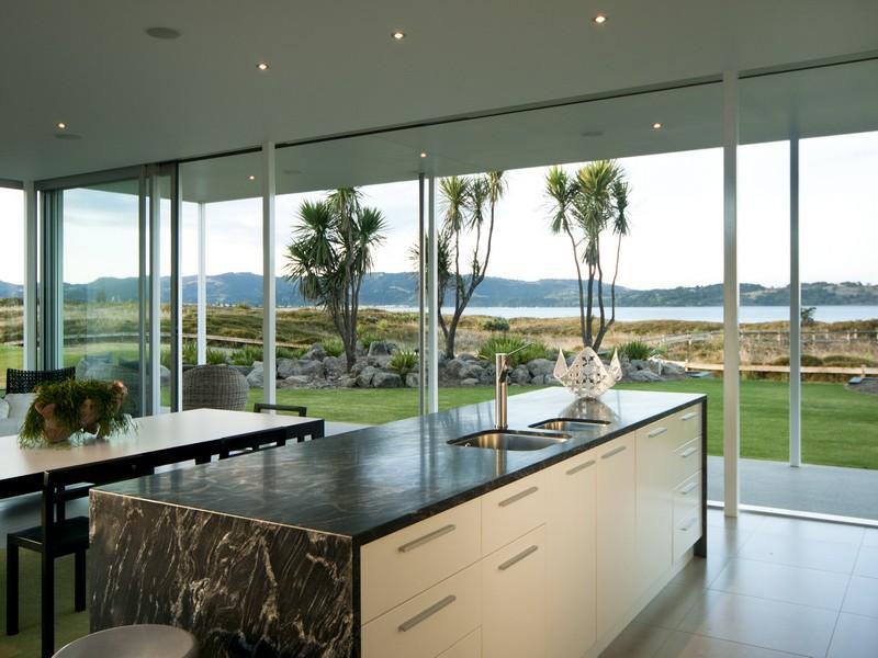 Home Kitchen Island Single Level Beach House In New Zealand | Idesignarch