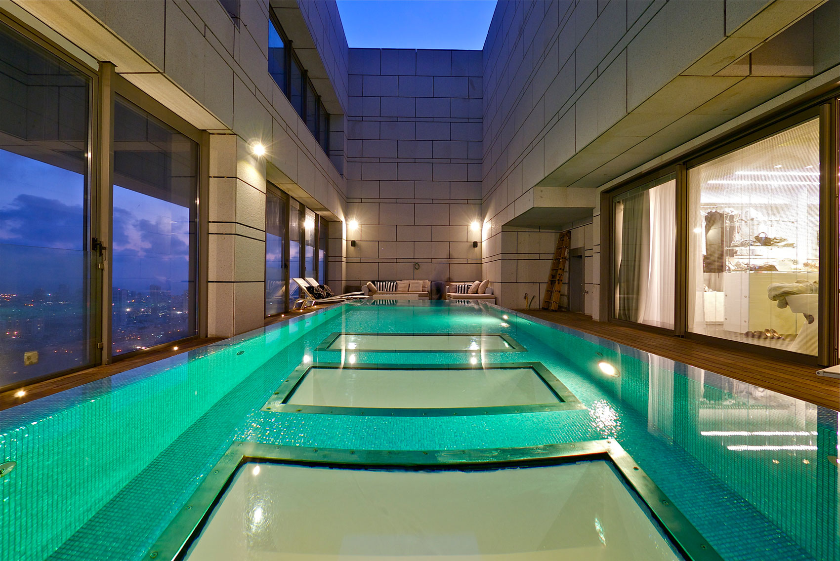 Versace Badezimmer Accessoires Stunning Penthouse With Private Rooftop Swimming Pool