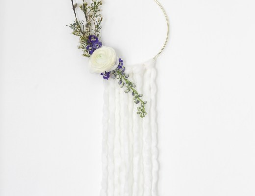Make this modern spring wreath with yarn and fresh flowers, and just a few simple steps! by Idle Hands Awake for Shrimp Salad Circus