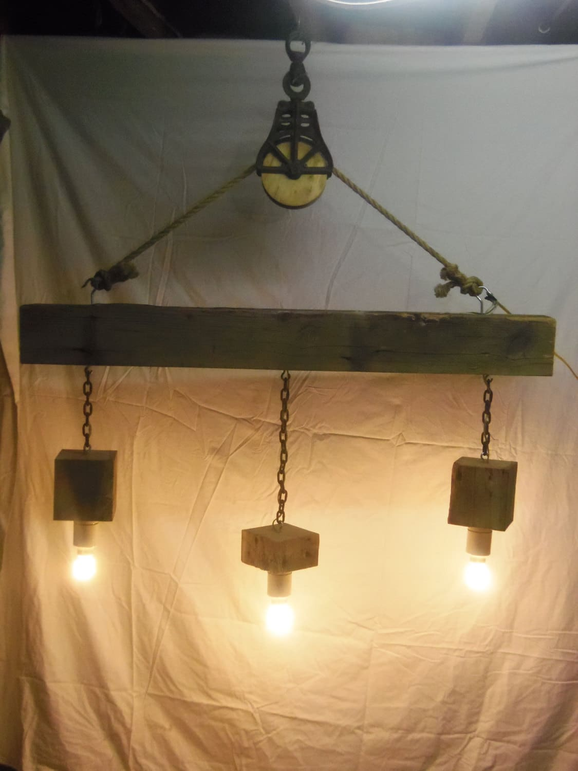 Plafondbeugel Lamp Beam Wood Light Fixture And Pulley Pendant Light Id Lights