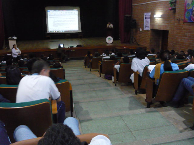 socializacion sistema de evaluaci+¦n institucional 2013 013