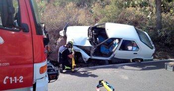 Освобожден водитель, попавший в ловушку в своей машине в San Miguel de Abona