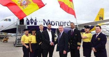 """Более 10 тысяч туристов, пострадавших от банкротства авиакомпании """"Monarch"""", находятся на Тенерифе"""