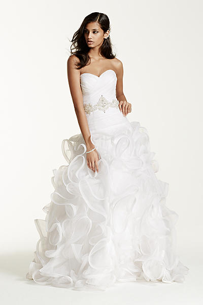 How to choose the perfect wedding dress for your body type for Drop waist wedding dress body type