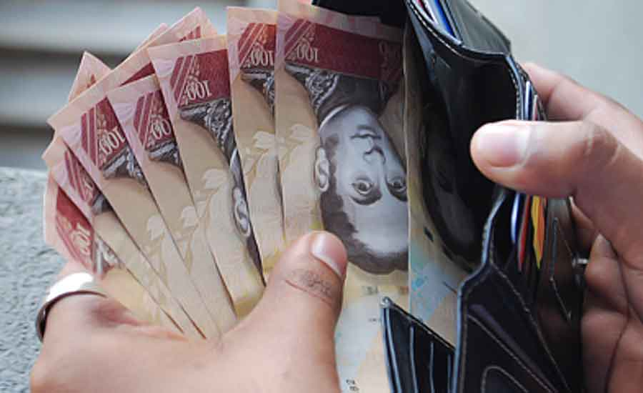 dinero venezuela socialismo pobreza bcv dola devaluacion