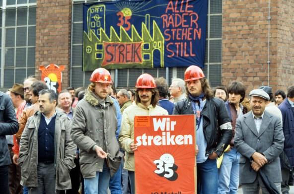Streik der Metallarbeiter bei Opel in Rüsselsheim am 22.05.1985. Foto: Karin Hill +++(c) dpa - Report+++
