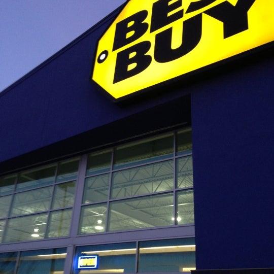 Best Buy - Northeast Calgary - 3221 Sunridge Way NE - geek squad autotech