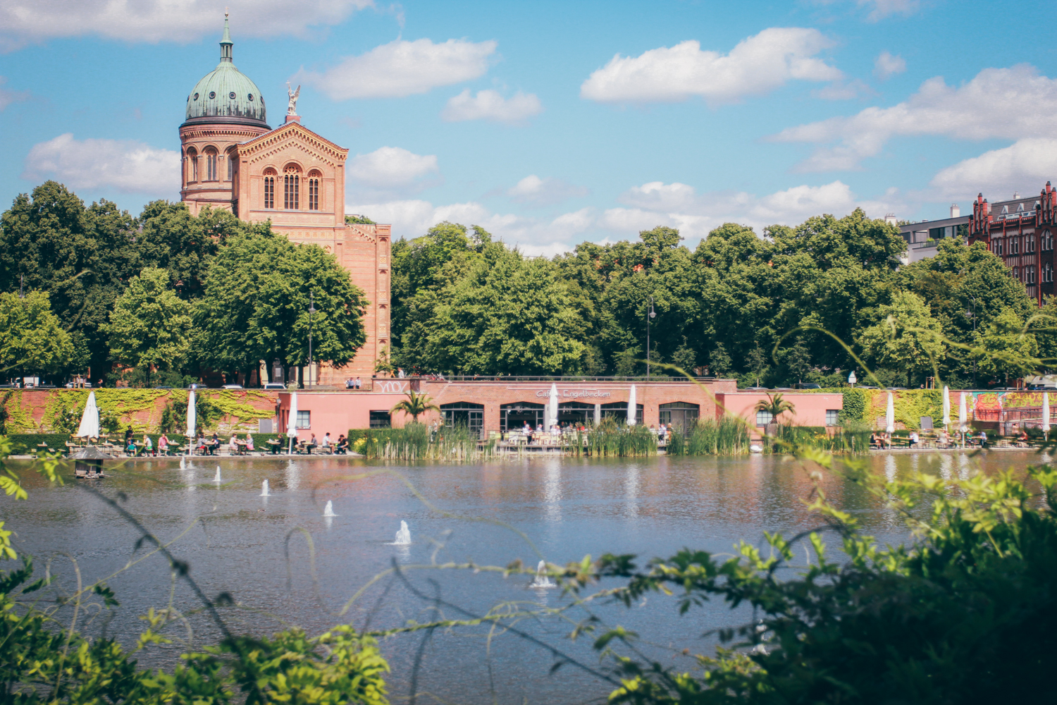 Restaurant Mit Terrasse Berlin 5 Charming Cafes Restaurants In Berlin By The Water