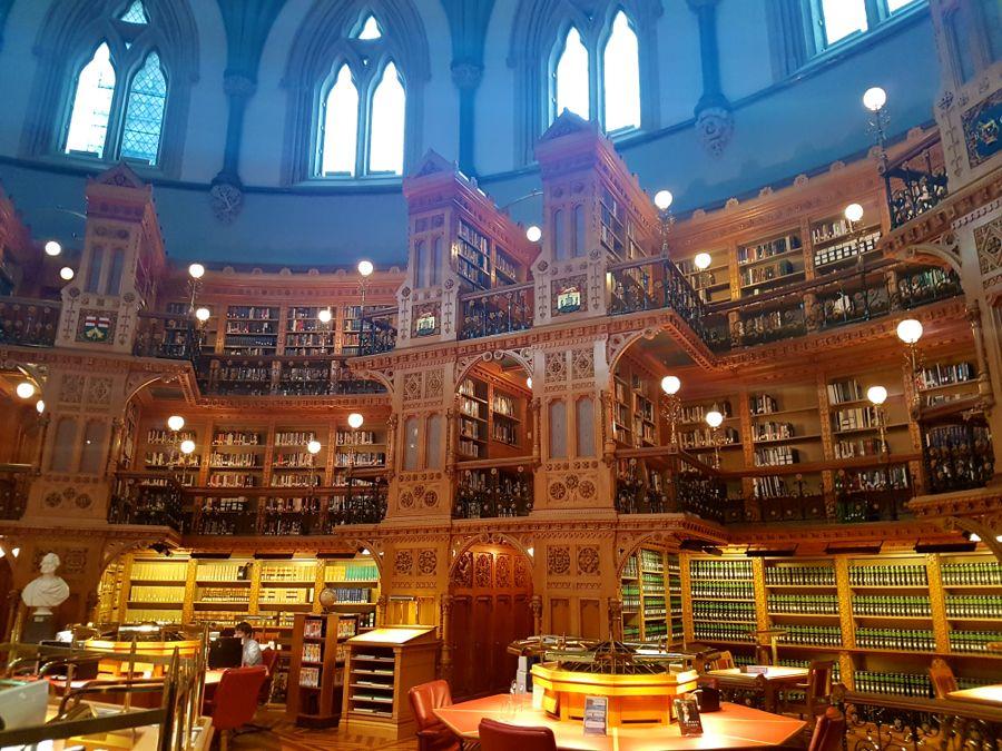 Library inside Parliamen Hill