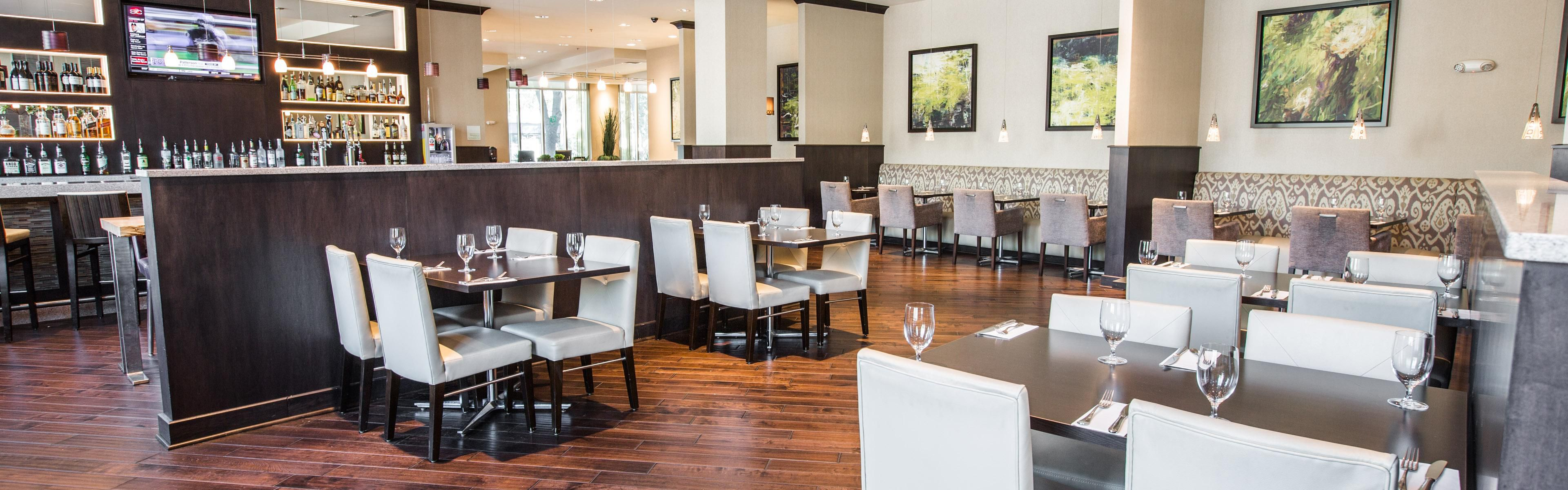 Dining Lounge Restaurants Near Holiday Inn Charleston Historic Downtown