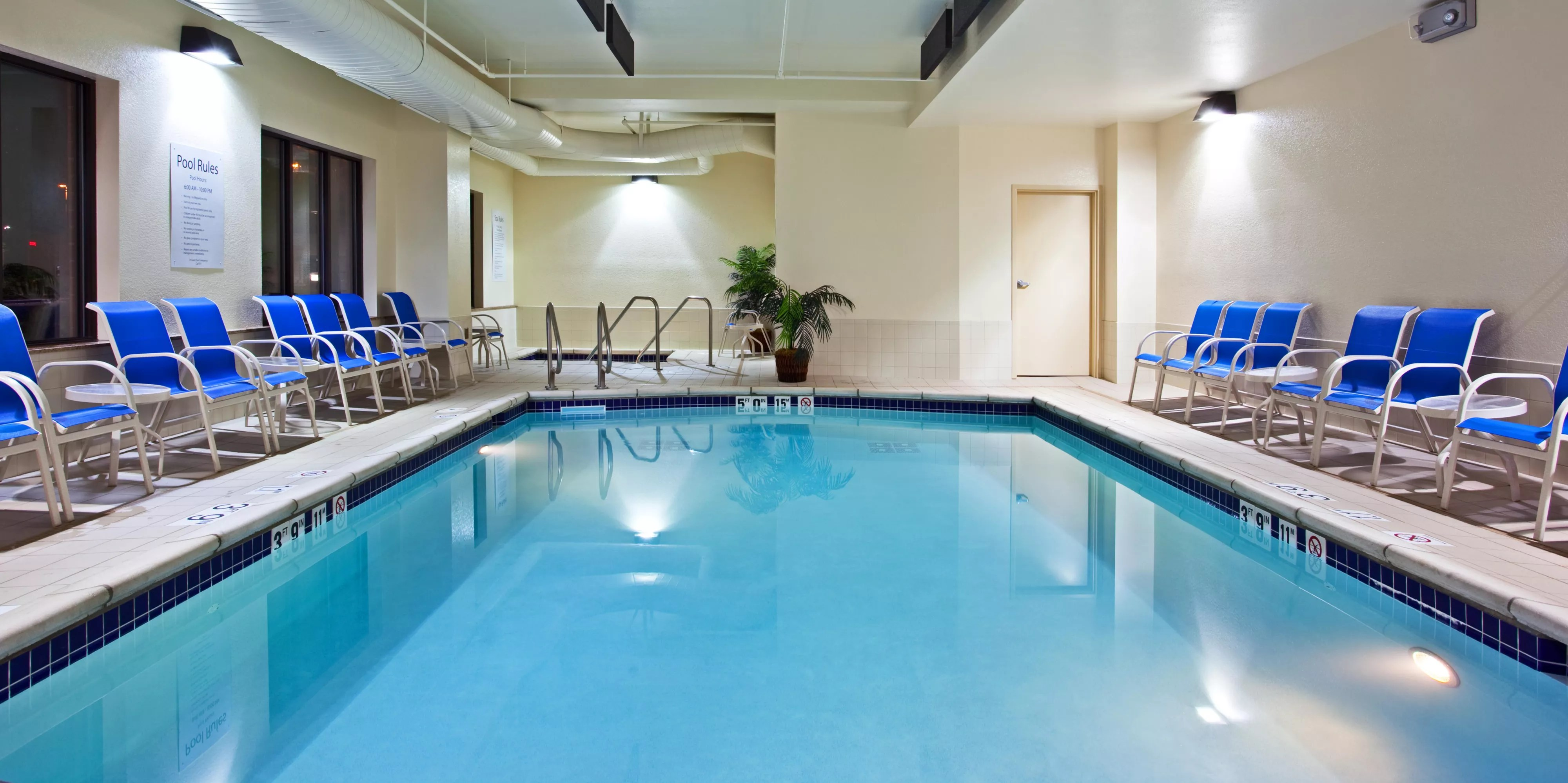 Cash Pool Mannheim Hillside Il Hotels Holiday Inn Express Suites Chicago West O