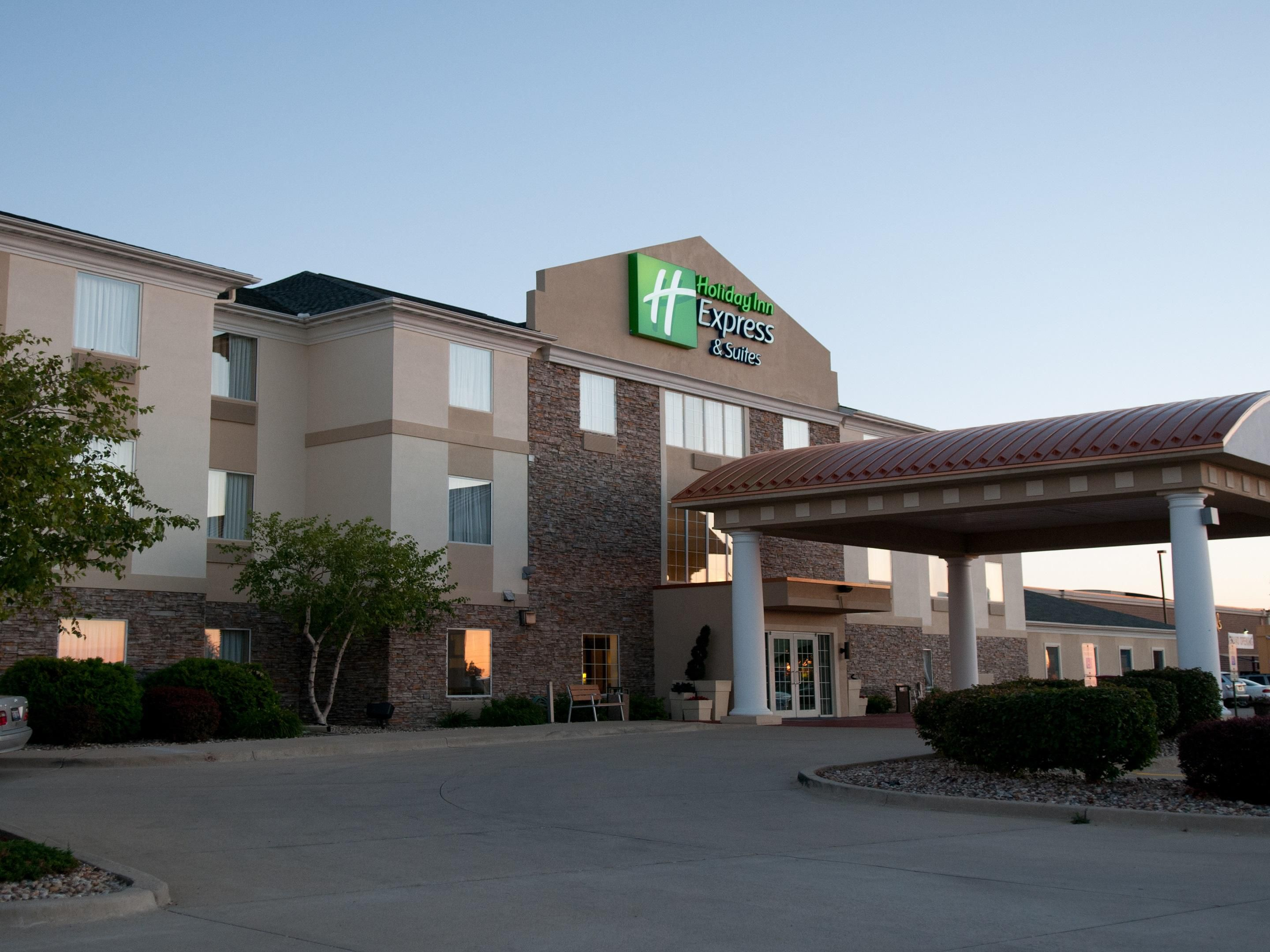 Lincoln College Normal Holiday Inn Express Suites Bloomington Normal Hotel By Ihg