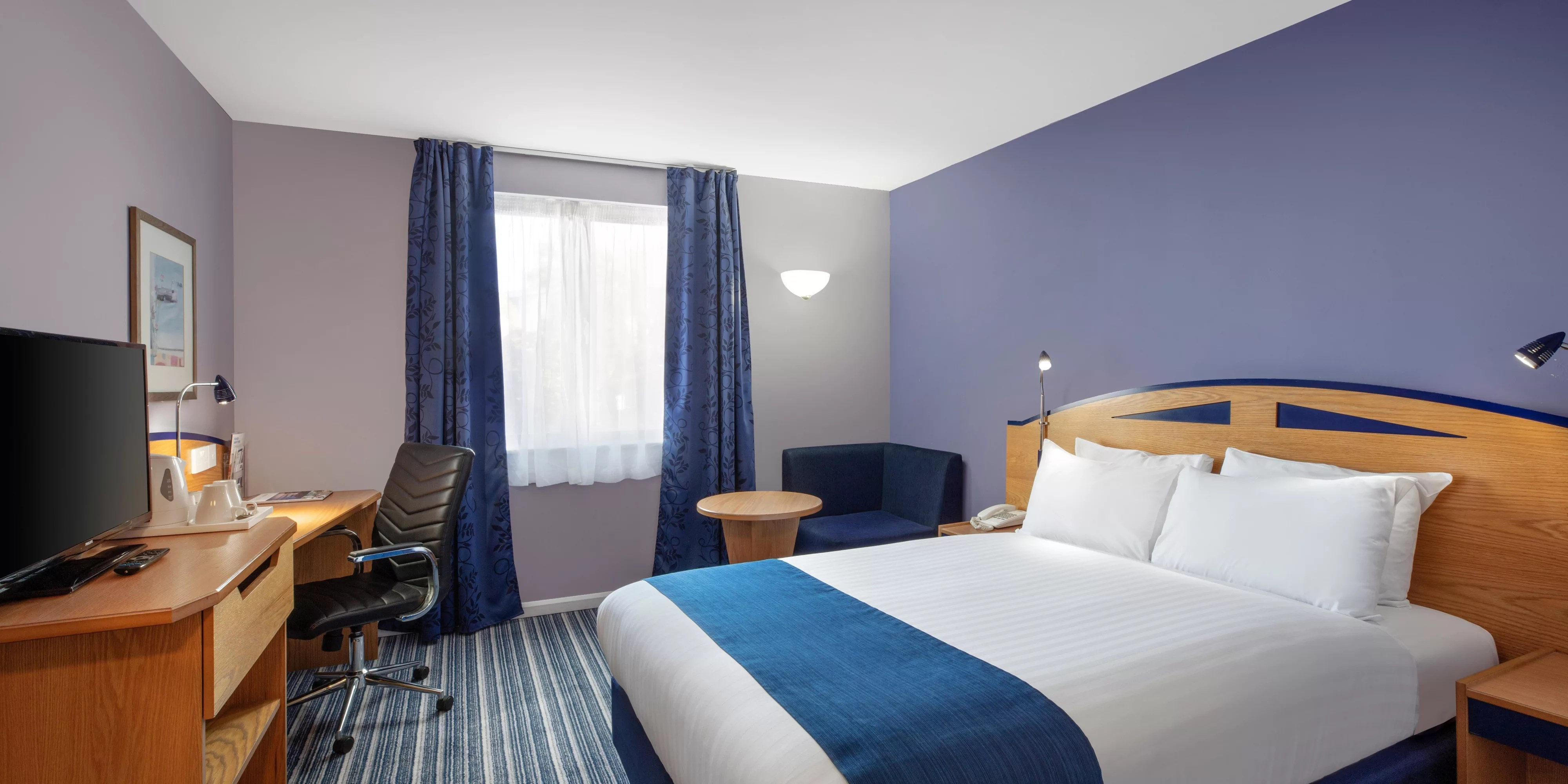 Bed And Breakfast Poole Harbour Hotels Near Poole Station Holiday Inn Express Poole