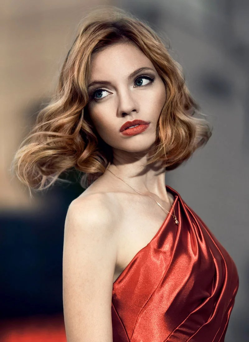 Bob Mit Wellen Romantische Wellen In Elegantem Long Bob Bob Frisuren Mit Locken