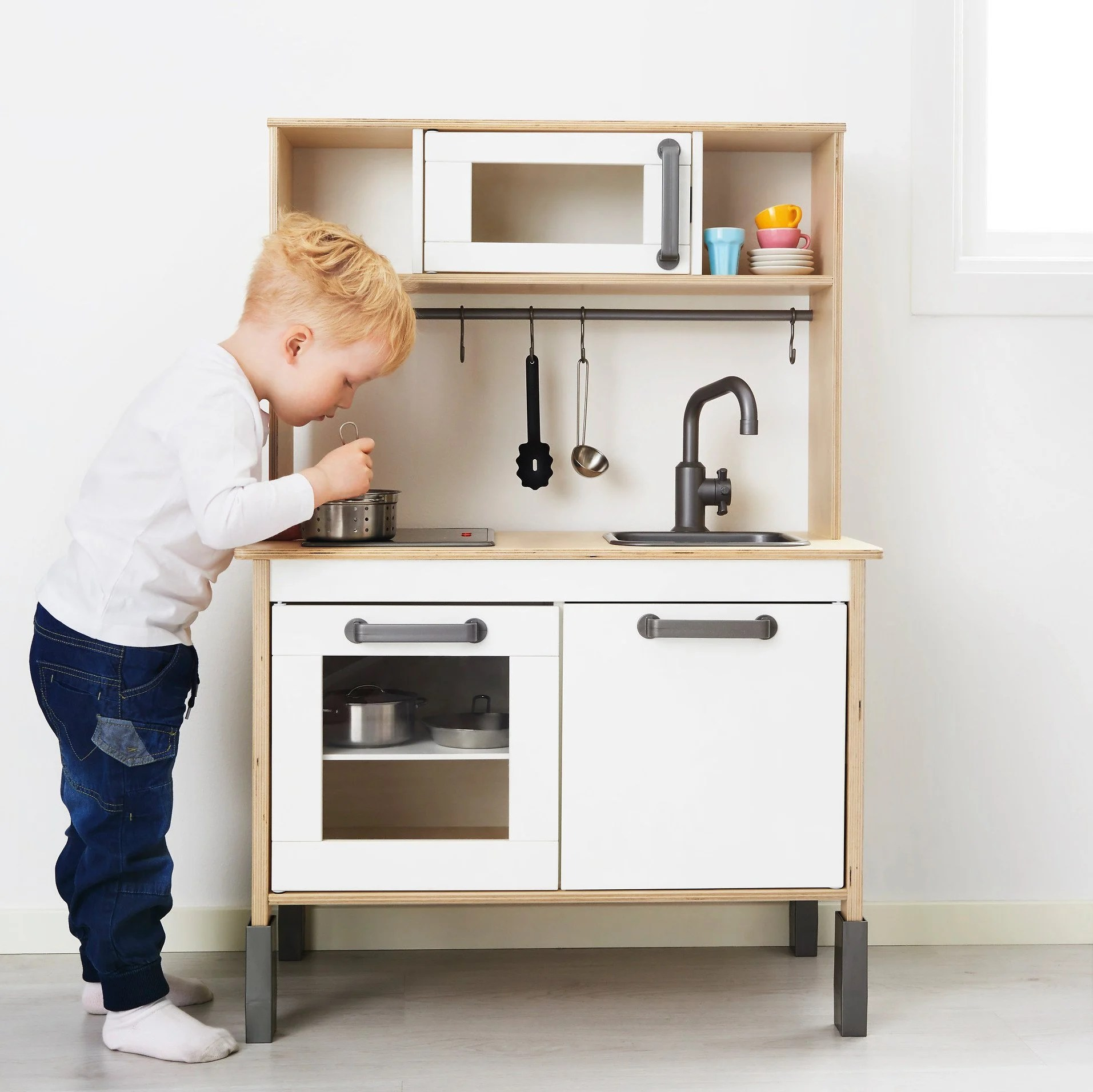 Mini Kitchen Hackers Help Functional Mini Kitchen For Toddlers Ikea Hackers