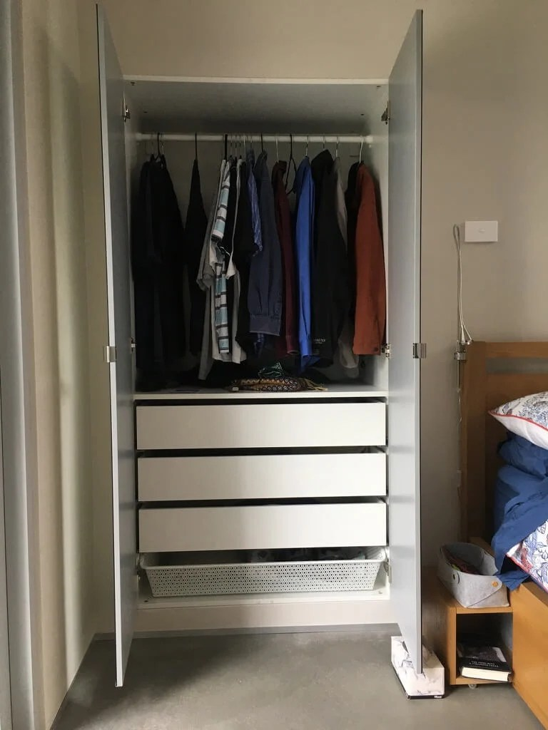 Walk In Closet Inspiratie This Is What They Did To Max Out Space In Their Small House Ikea