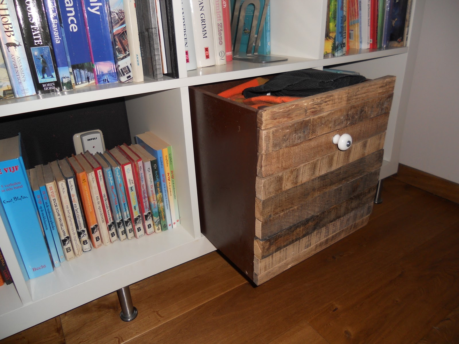 Aufbewahrungsbox Ikea Expedit Old Wood Expedit Box Ikea Hackers