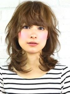 夏 ミディアム 髪型 女性、4