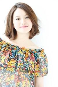 夏 ミディアム 髪型 女性、3