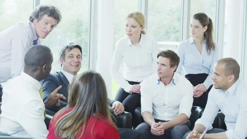 Informal business meeting Immobilizededucatingga
