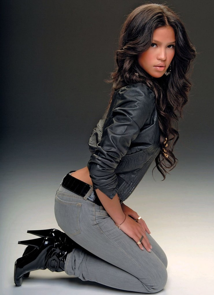 Chanel Wallpaper For Iphone 5 Picture Of Cassie Ventura
