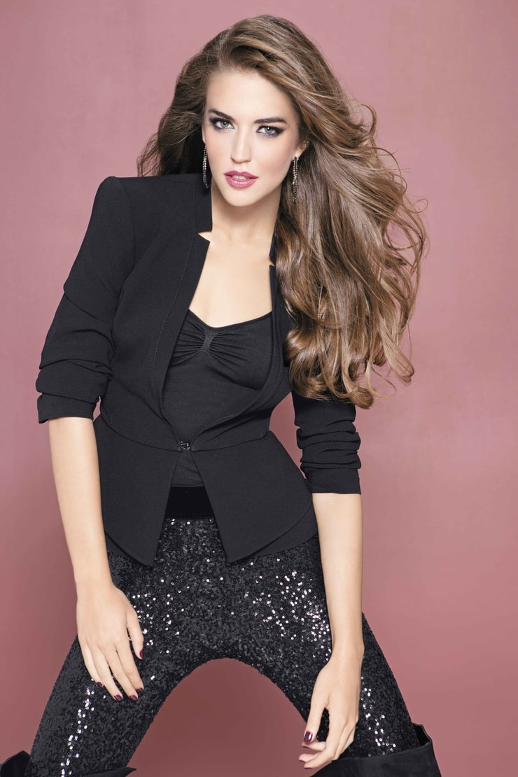 Killing Girls Wallpaper Picture Of Clara Alonso