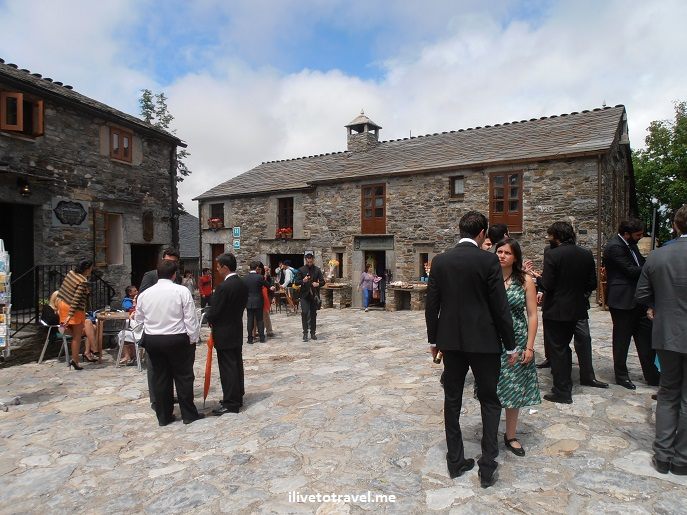 O Cebreiro, Spain, Lugo, Santa Maria la Real, church, Olympus, old beetle, wedding,, photo, travel